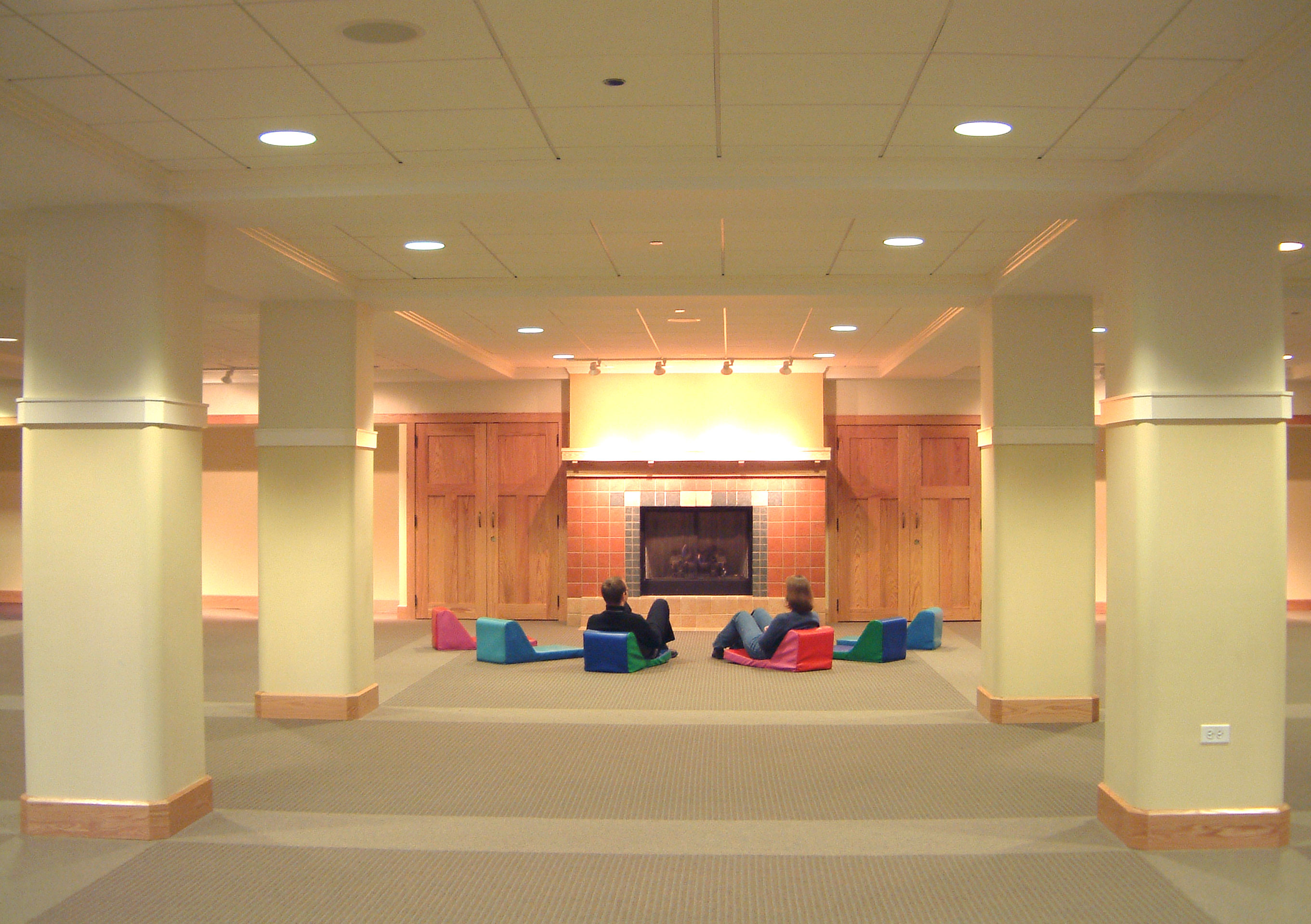 04-147-Interior-1